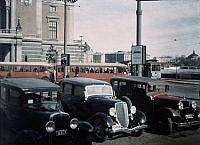 Bilparkering på Gustav Adolfs torg utanför Operan.