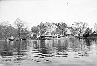 Bondegatans slut vid Hammarby sjö.