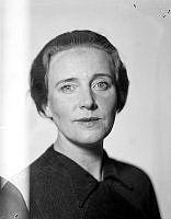 Porträtt av kvinna, Berglund.