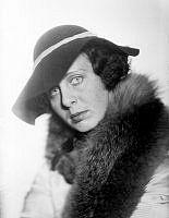 Signhild Björkman. Porträtt av skådespelerskan Signhild Björkman.