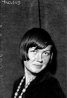 Porträtt av kvinna, Erhart.