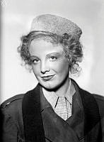 Signe Hasso. Porträtt av skådespelerskan Signe Hasso.