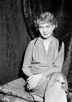 Porträtt av Anna-Lisa Ryding, skådespelerska och sångerska.