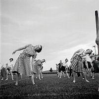 Motionsgymnastik för husmödrar på Kristinebergs Idrottsplats.