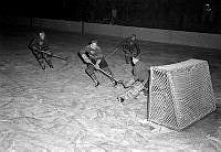Östermalms IP. Ishockeymatch mellan Forshaga och Djurgården.